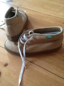 Vans size 1 boots