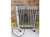 2 X DIGITAL AIR FORCE ELECTRIC OIL FILLED FREESTANDING PORTABLE RADIATORS WITH TIMER 2500 W