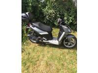 Aprilla 125 sport city scooter