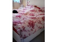 Super kingsize bed good condition