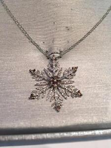 #860-10K Champagne & White Diamond Snowflake Pendant LOOKING FOR A REASONABLE OFFER