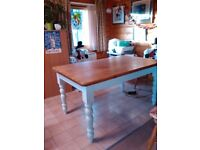 Traditional Farmhouse Style Table