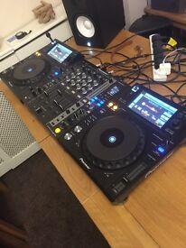 Pioneer decks with mixer