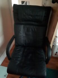 Desk/gaming chair