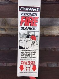 Kitchen fire blanket new in tin
