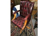 Chesterfield red desk chair