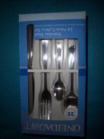 New Oneidacraft Stainless Steel 24 Piece Cutlery Set IP1