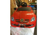 EXCELLENT CONDITION RED MERCEDES BENZ SLS CHILDRENS ELECTRIC RIDE ON CAR