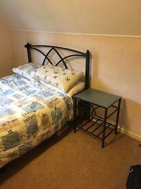 Queen size Metal frame bed