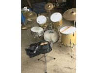 Full size ARIA drum kit,stool,sticks&stand.Some cosmetic rust on stands but generally good condition