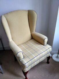 Armchair entirely refurbished