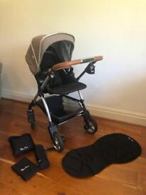 Silver Cross Wayfarer Chelsea travel system(negotiations available)