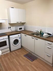 Lovely large single room available Within minutes way from Dalston Junction station