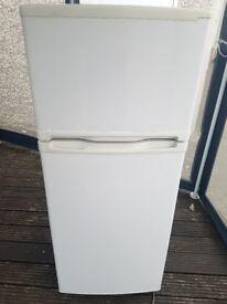 Fridge freezer 4ft