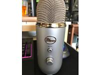 Blue yeti USB Microphone with pop filter and shockmount