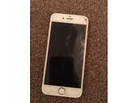 Apple iPhone 6 gold 16gb with smashed screen