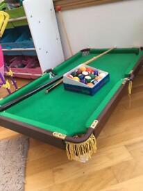 Children's snooker table