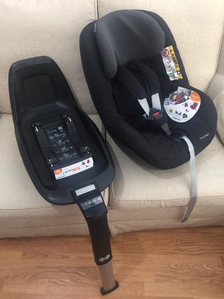 Maxi cosi 2 Way Familyfix and 2 Way pearl car seat