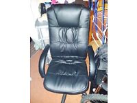 black swivel computer /office chair