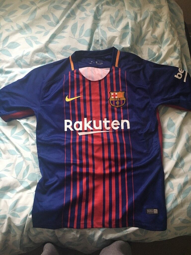 quality design 96b59 b19be Mens BARCELONA Football Shirt - Messi - Large size | in Slough, Berkshire |  Gumtree
