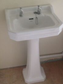 Ideal Standard Waverley Basin with Pedestal