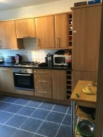 Double room to rent in PUTNEY (next to Upper Richmond Road) Flat Share