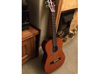 New Classical guitar 3/4 size ideal for a child.