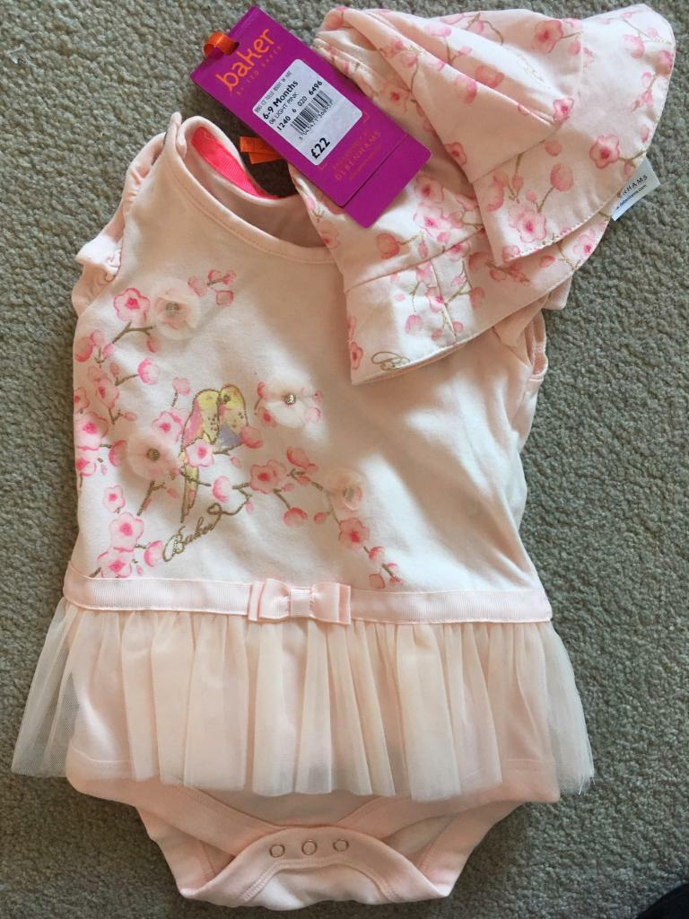 641acfbca44d2b Ted Baker baby girl vest and hat set 6-9 months