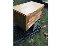 Central drawer unit & Table