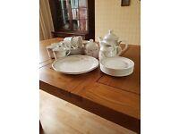 Royal Doulton Fresh Flowers 8 setting China Tea Set