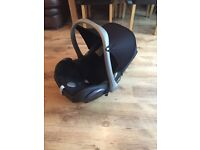 Maxi Cosi car seat in lovely condition from a pet free and smoke free home