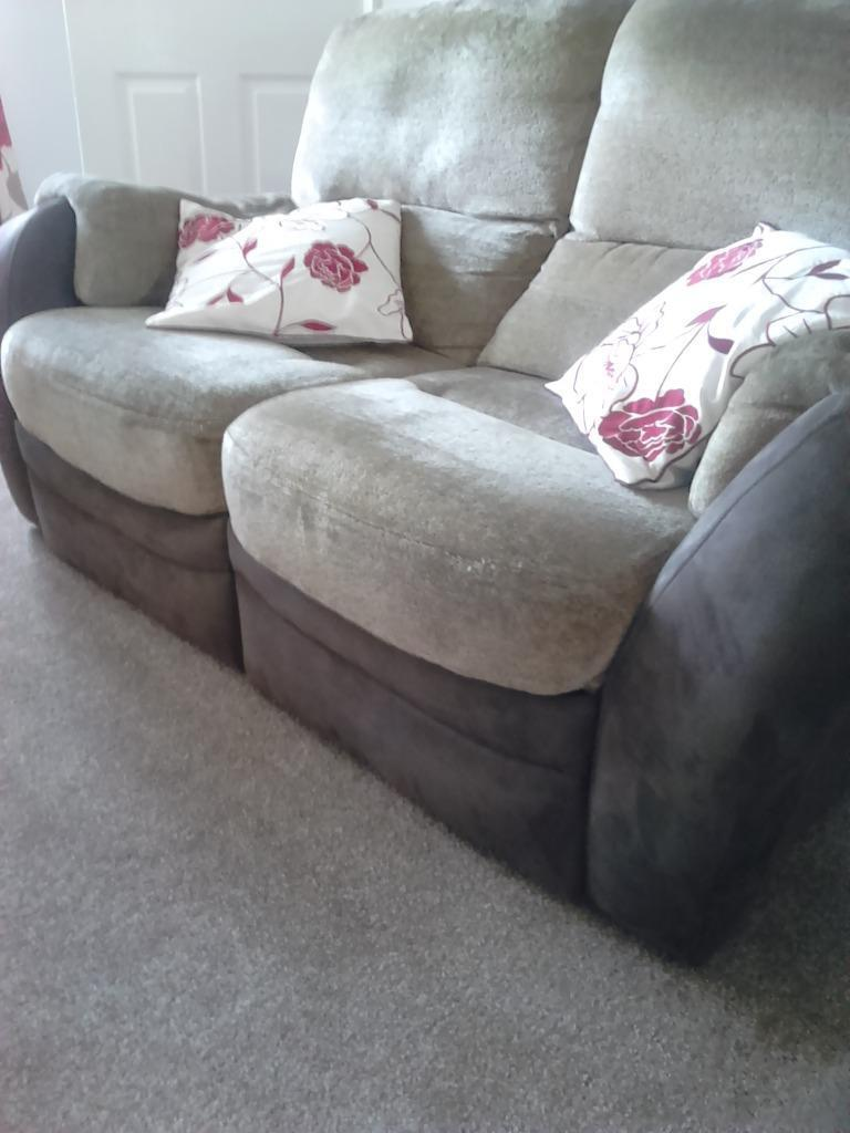 2 two seater recliner settees for sale in bradford west for Settees for sale