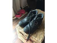 Safety boots size 9