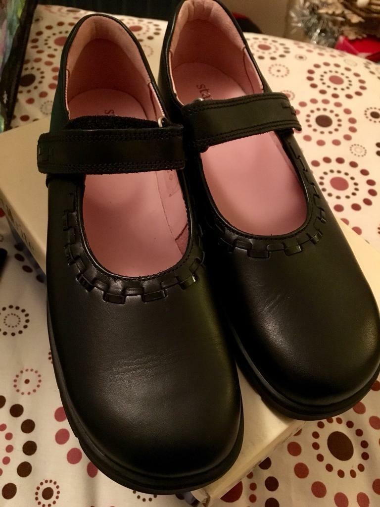 Girls black leather start rite shoes, new, 1G
