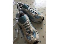 Adidas torsion ladies trainers size 6
