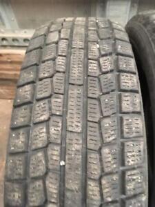 4 pneus d hiver 175/65r15 yokohama