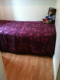 Single Room and a double room available in Hayes near Heathrow ( All Bills included )