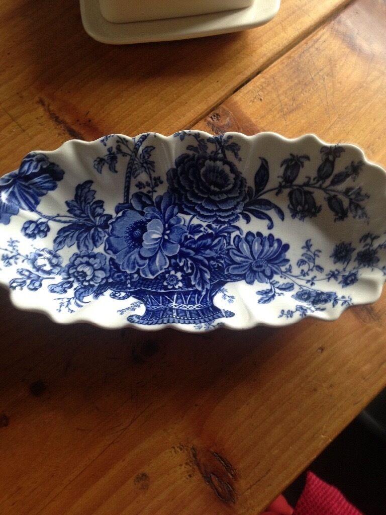 Blue & white floral ridged tray