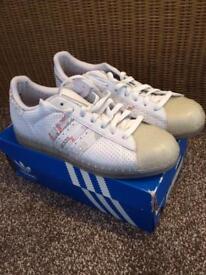 Adidas shell toes