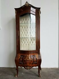 ANTIQUE STYLE FRENCH LOUIS XV INLAID BOMBE VITRINE DISPLAY CABINET REPRO SIDEBOARD DELIVERY AVALABLE