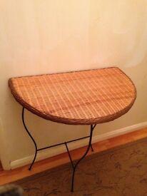 Hallway table £10