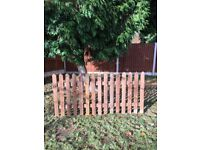 Wood Pales 3ft 0.9m High - Round Top & Pointed Top Picket Garden Fence Panels