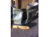 Mens Green Dunlop Wellington Boots size 12 (47)