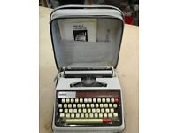 Vintage Brother Deluxe 1350 Typewriter with case
