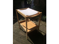 Changing table, excellent condition