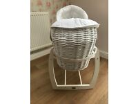 MAMAS AND PAPAS LUXURY MOSES BASKET AND STAND (RRP £168)