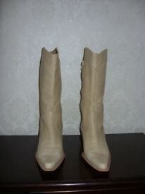 """LADIES SPANISH """"B THE BEST"""" LIGHT TAN LEATHER BOOTS SIZE 40 (6 1/2 UK)"""