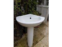 corner basin with pedestal