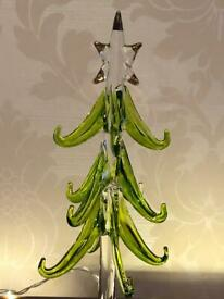 A beautiful unique vintage hand-blown Glass Christmas Tree Figurine with a mirrored base 20cm's