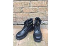 Safety shoes boots size 7